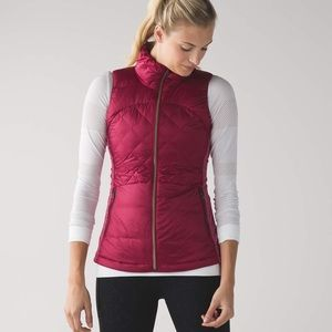 Lululemon down for a run berry rumble vest size 6!